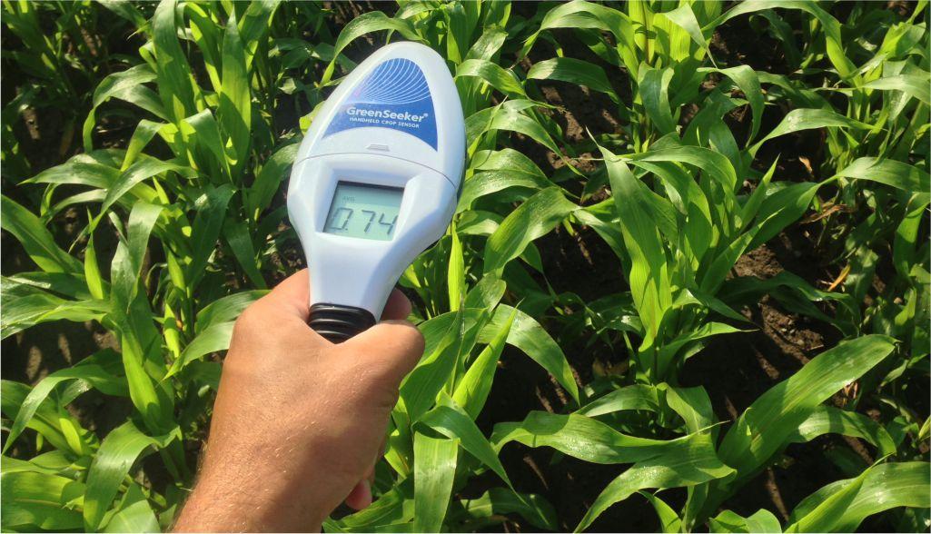 Peralatan yang terhubung dengan internet di lahan pertanian